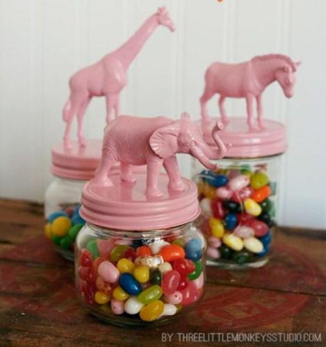 DIY and Homemade Gifts - Recycled Plastic Animal Mason Jars.bmp