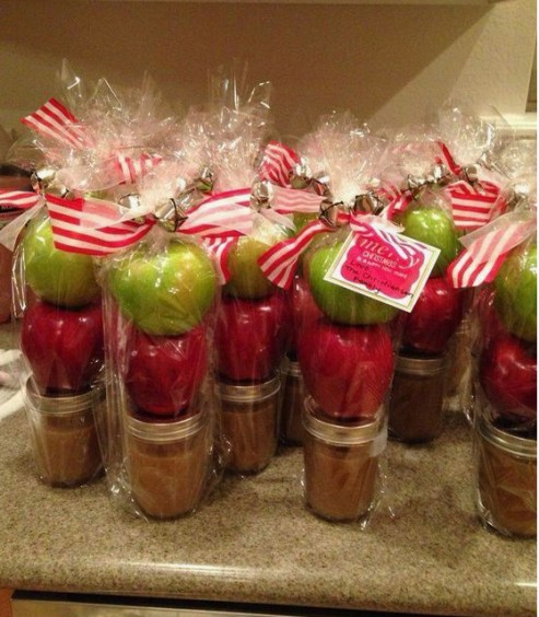 Homemade and DIY Gifts - Caramel Apples.bmp
