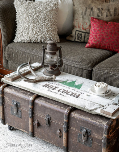 Homemade and DIY Gifts - Make this festive, reclaimed wood tray in 1 hour! .bmp