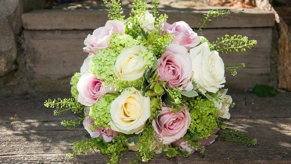 bride rose wedding bouquet