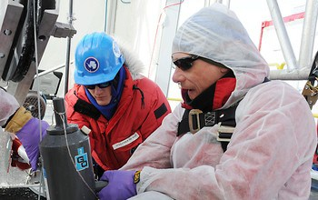 Confirmed: 800 meters beneath Antarctic ice sheet, subglacial lake holds viable microbial ecosystems