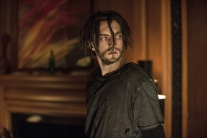 """The 100 -- """"Wanheda: Part One"""" -- Image HU301a_0185 -- Pictured: Richard Harmon as Murphy -- Credit: Cate Cameron/The CW -- © 2015 The CW Network, LLC. All Rights Reserved"""