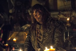 """The 100 -- """"Wanheda: Part One"""" - Image HU301b_0366 -- Pictured: Zach McGowan as Roan -- Credit: Cate Cameron/The CW -- © 2015 The CW Network, LLC. All Rights Reserved"""