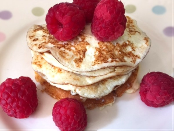 Low Carb and Gluten Free Cream Cheese Pancakes