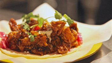 AWESOME THING WE ATE #992 | The Sneaky Good Fried Chicken At Kitsilano's 'Lucky Taco'