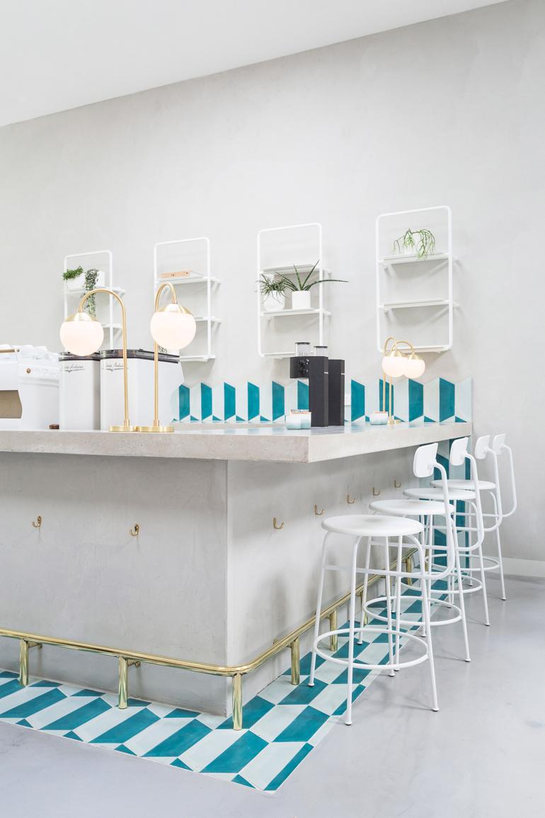 no-19-biasol-interiors-design-restaurant-australia_dezeen_2364_col_24