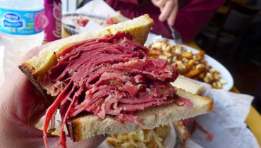 NEVER HEARD OF IT | Loving Smoked Meat & Poutine At Estrella's Montreal Deli In Langley