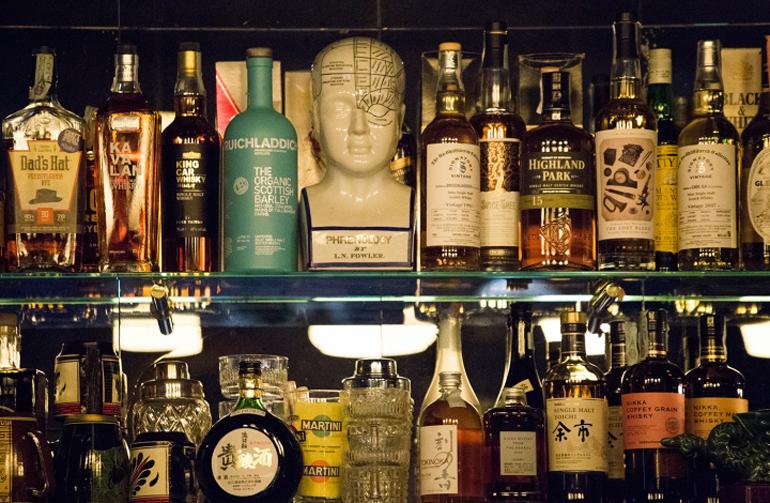 MR-SIMON-cocktail-bar-by-Visual-Display-Udine-Italy02