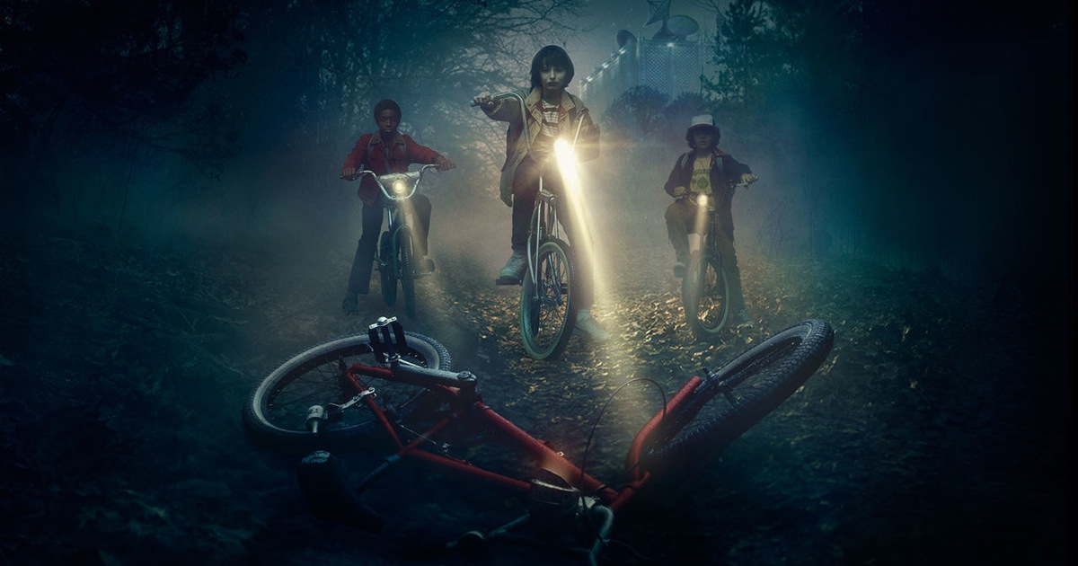Review: 'STRANGER THINGS' Brilliantly Merges the Familiar and the New