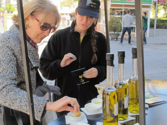 Tasting the olive oil, at the mobile catas around the city this and next weekend.