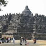 密林に聳え立つ巨大曼荼羅、ボロブドゥール(Borobudur)【インドネシア】