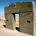 「ティワナク」(Tiwanaku)標高3970mの荒野に佇む謎の遺跡【ボリビア】