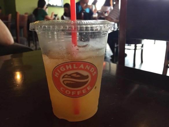 ベトナム5 ハノイ ハイランズ・コーヒー