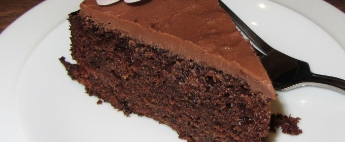 rich moist choc cake slice (700x532)