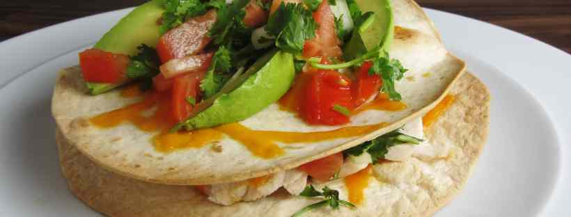 Chicken tostadas with pico de gallo