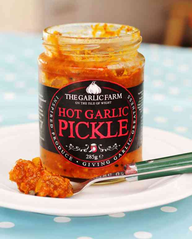 Hot garlic pickle - The Garlic Farm #Review