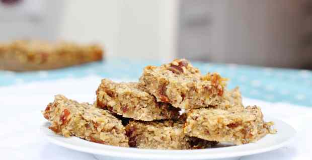 date-and-banana-oaty-bars-2