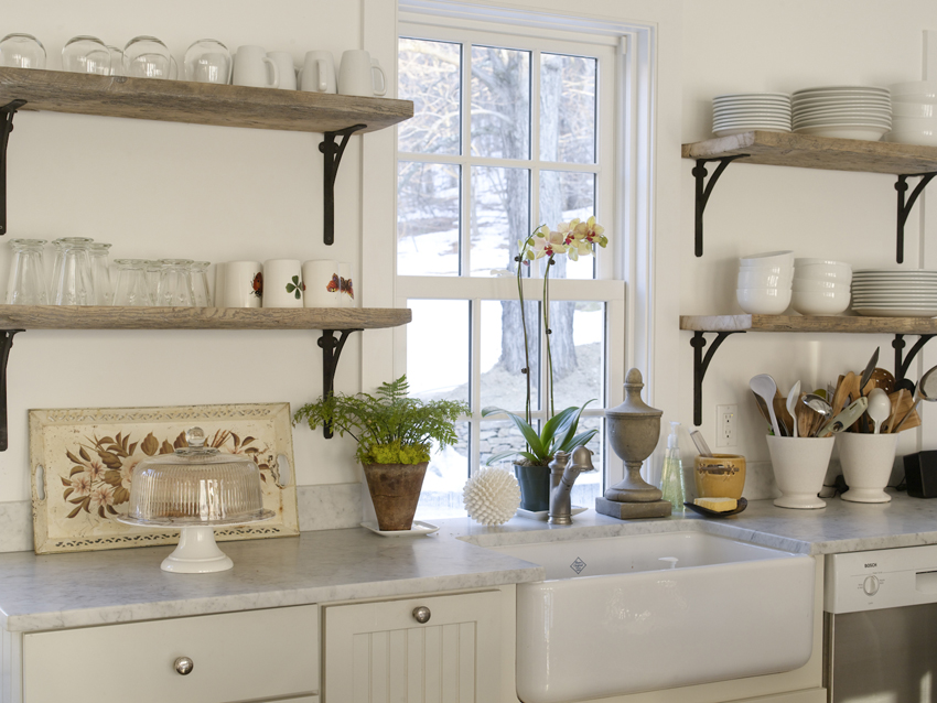 rustic-wooden-kitchen-wall-shelves