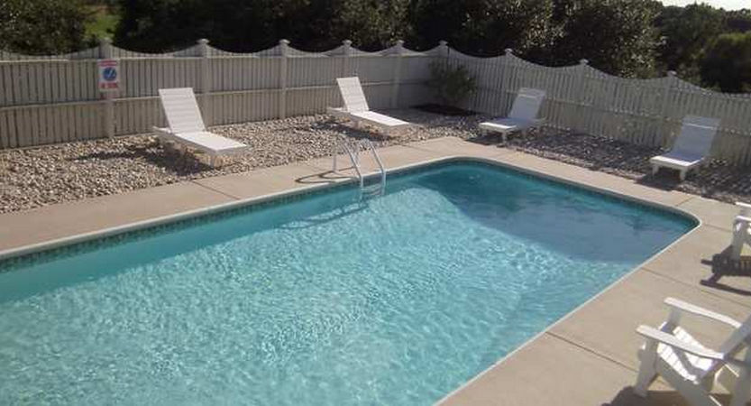 Swimming Pool Bank : Swimming pool landscaping four seasons obx