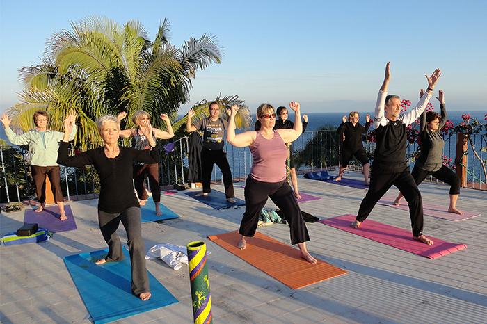 Yalupa-Mexico-rooftop-yoga