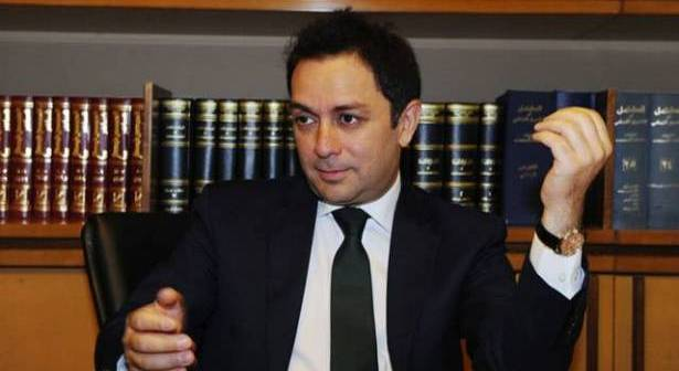 مجلة تواصل مدني العدد 17: الوزير زياد بارود: لا أمل في هذا النظام