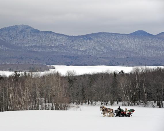 sleigh-wedding entrance