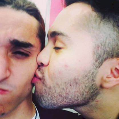 kissing and hugging gay couples amateur sex