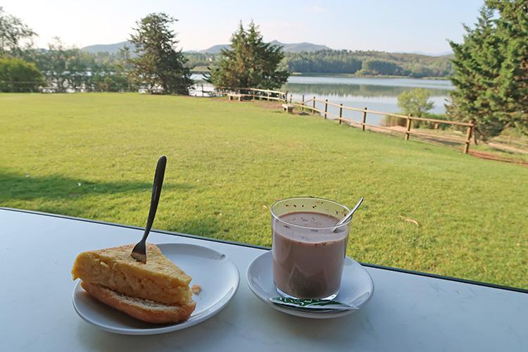 グラヘラ貯水池 カミーノ カフェ