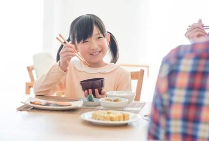 箸の持ち方、何歳からスタートした? 先輩ママの体験談