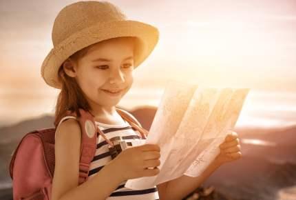 little girl travels