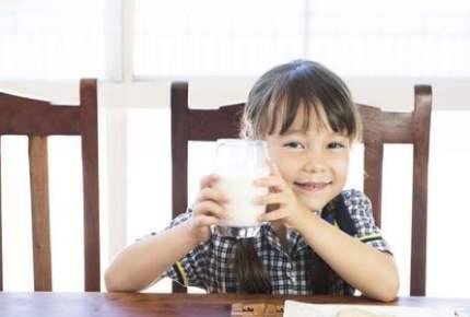 牛乳の飲み過ぎが原因…!?子どもの「牛乳貧血」に注意