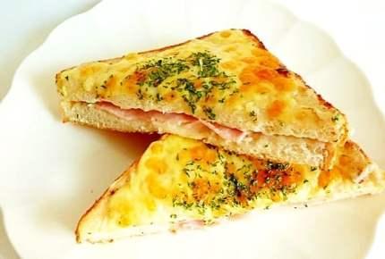 パリ風リッチな朝食「クロックムッシュ」&「クロックマダム」の違いって?