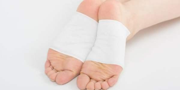 知らなきゃ損!「足裏湿布」の健康効果・副作用・貼るポイントについて