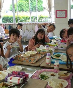 日本の給食