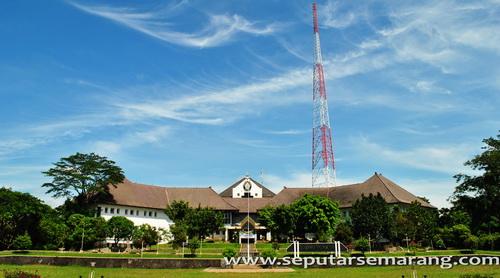Gedung Widya Puraya Undip Semarang