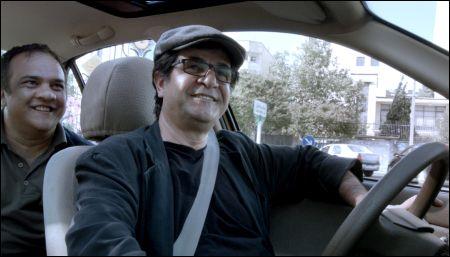 Jafar Panahi als Fahrer seines Taxi