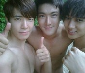 Abs in Review: Super Junior