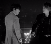 "D&E Relive Memories in ""Growing Pains"""