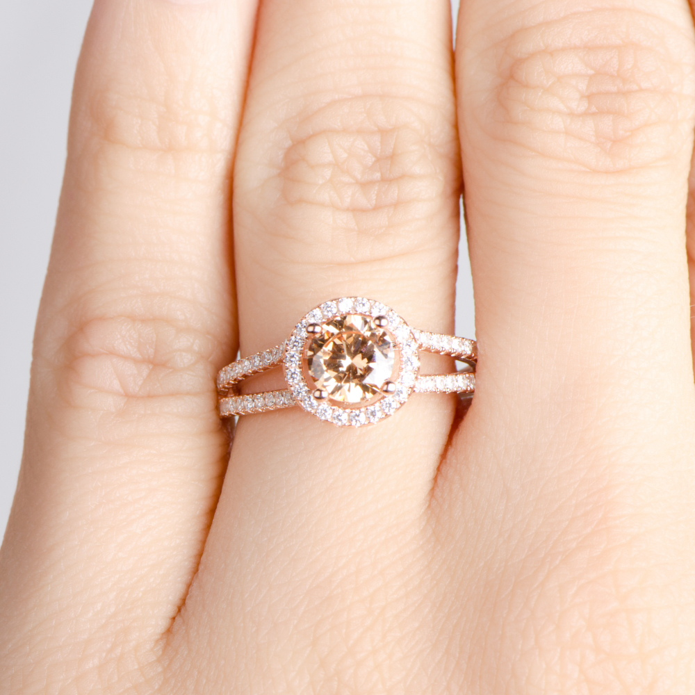 rose wedding ring rose gold wedding rings Rose Gold Princess Cut Wedding Rings A Great Choice for