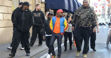 Before You Mess With Floyd Mayweather, Checkout His HUGE Bodyguard | PHOTOS