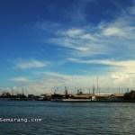 Aktivitas di pelabuhan tanjung mas