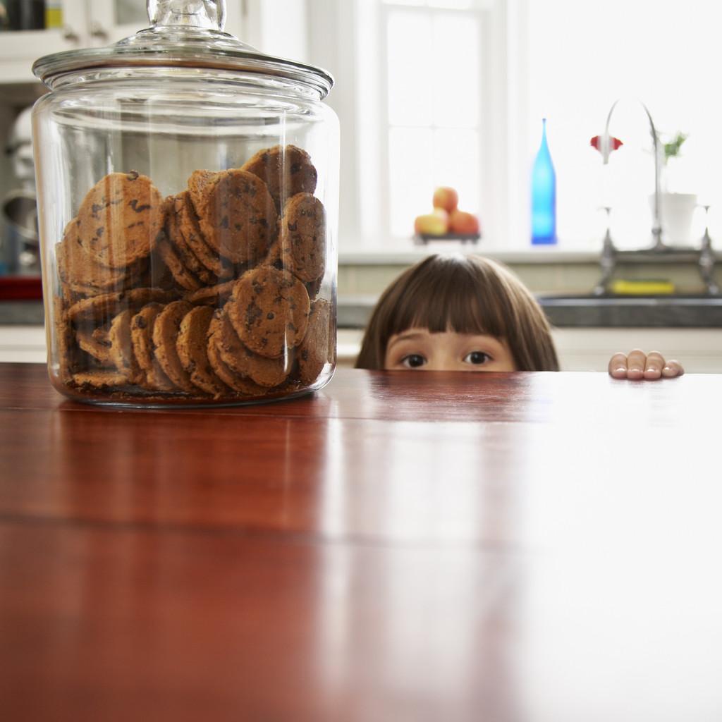 クッキー食べたい女の子