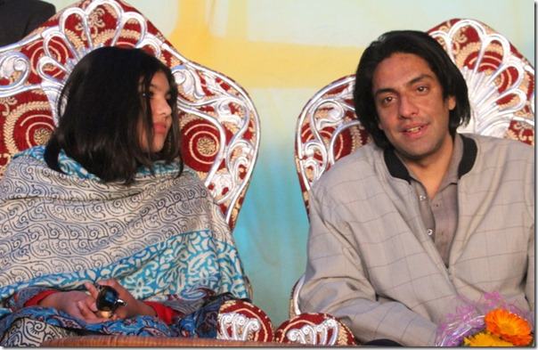 Paras Shah and daughter Purnika in a public function