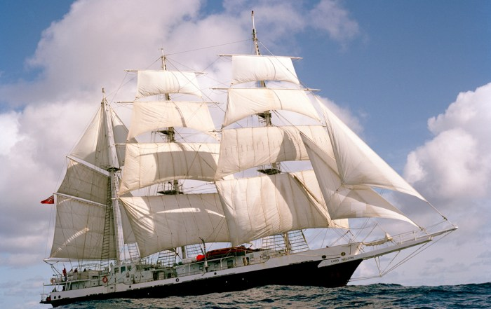 Lord Nelson undersail
