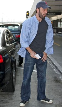 gallery_enlarged-benaffleck-lax-photos-08262008-01