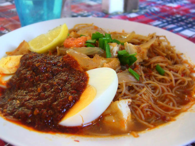 Foods to Eat in Singapore Mee Siam