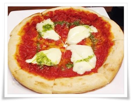 セブンイレブンの冷凍ピザの調理法!電子レンジやフライパンでも?2