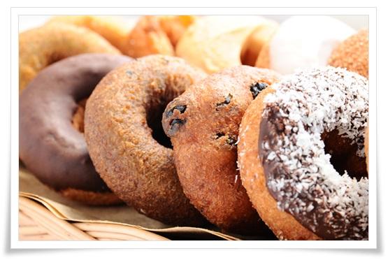 ミスドvsコンビニ(セブン&ローソン)ドーナツ比較!味やカロリーで1