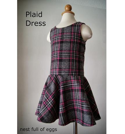 Patron gratuit: la robe de taille de goutte de petite fille