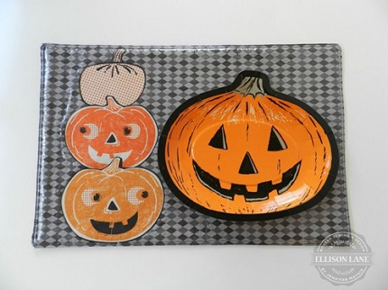 Tutorial: Wipe-clean appliqued Halloween placemats